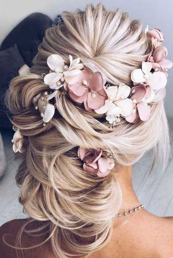 wedding hairstyles Archives | Wedding Estates